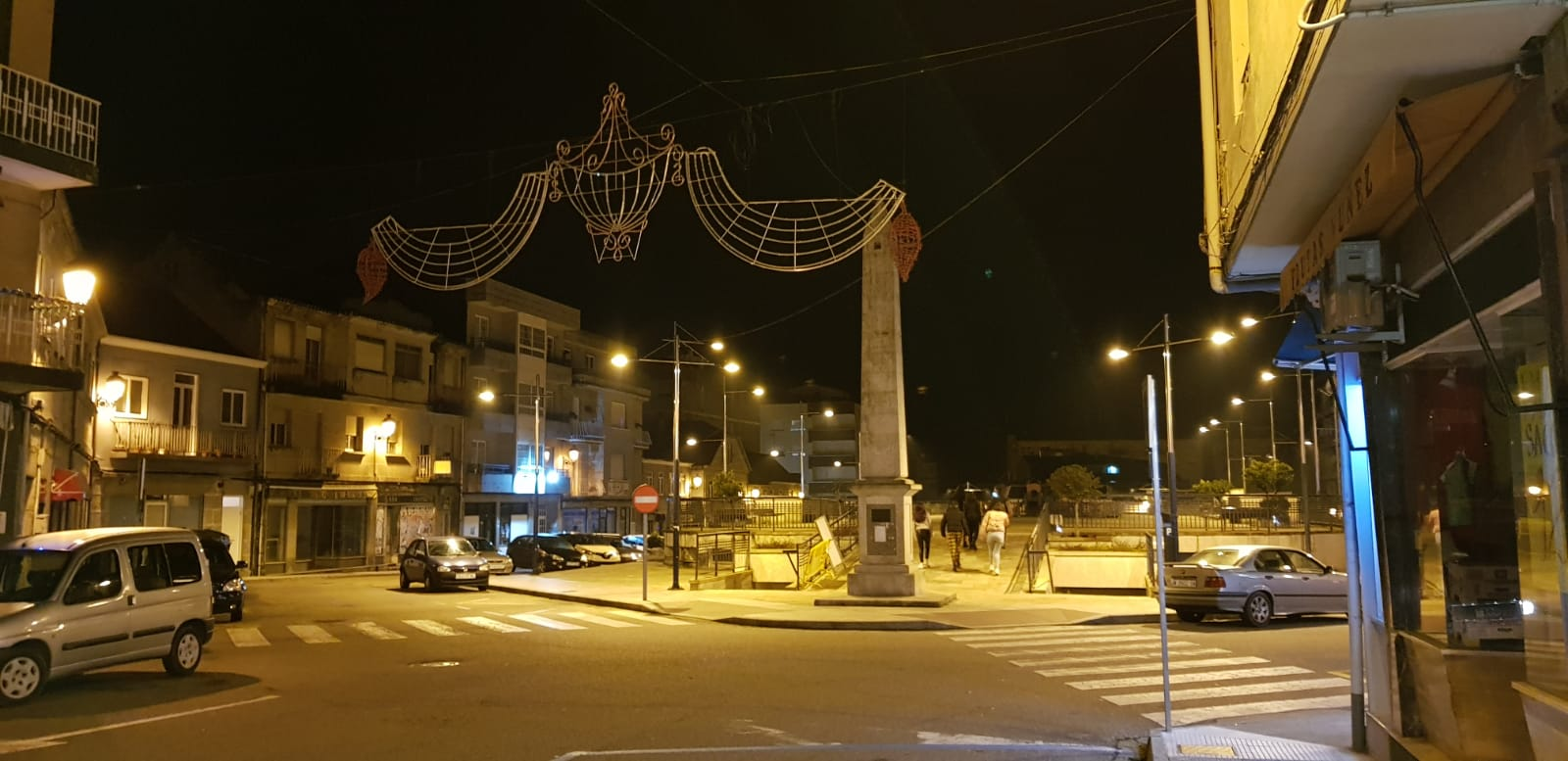 Represas Castiga Al Comercio Y A Los Vecinos De Ponteareas Cancelando Por Segunda Vez Consecutiva El Encendido Navideño