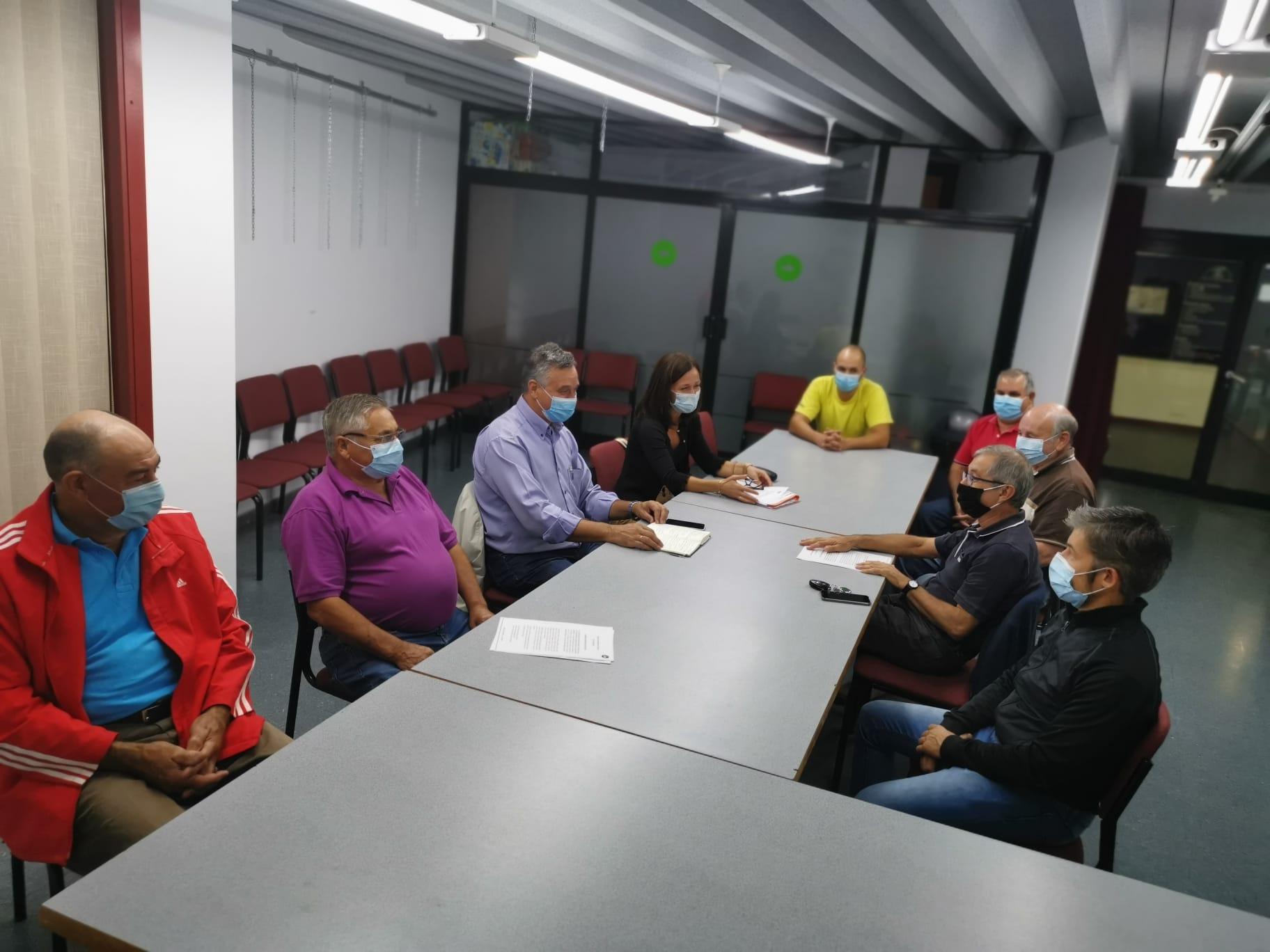 O PP REÚNESE COA PLATAFORMA DA N-120 E VARIANTE PARA COMUNICARLLES QUE OS PROXECTOS CONTINÚAN PARALIZADOS