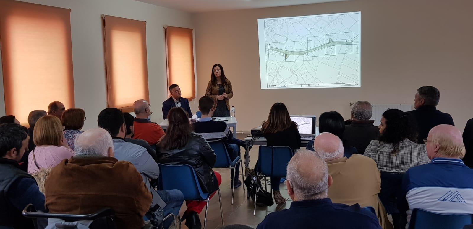 Belén Villar Se Reúne Con Los Vecinos De Bugarín Y Les Adelanta Que La Xunta Comenzará Las Obras De La PO-254 En Primavera